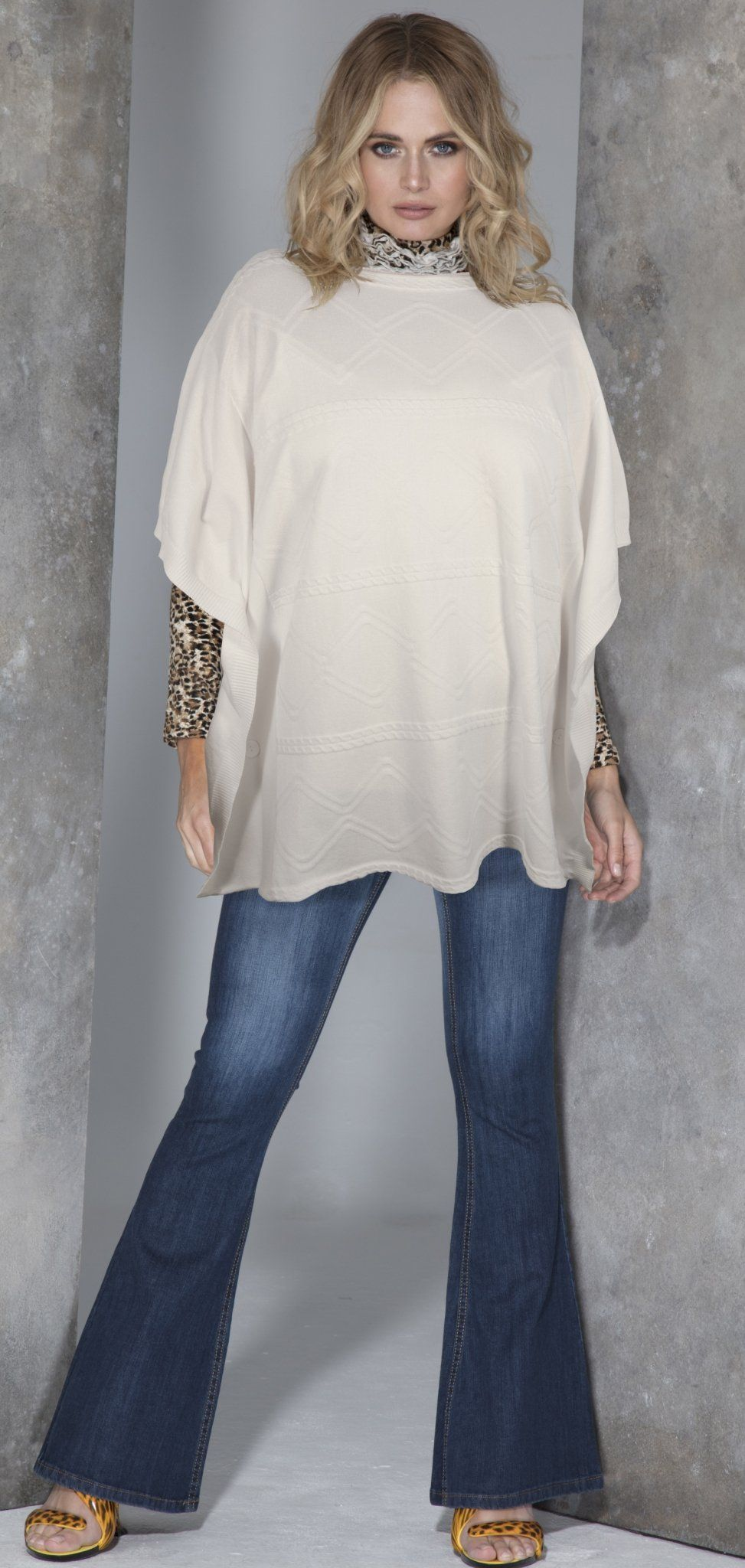 Poncho - Winter White One Size