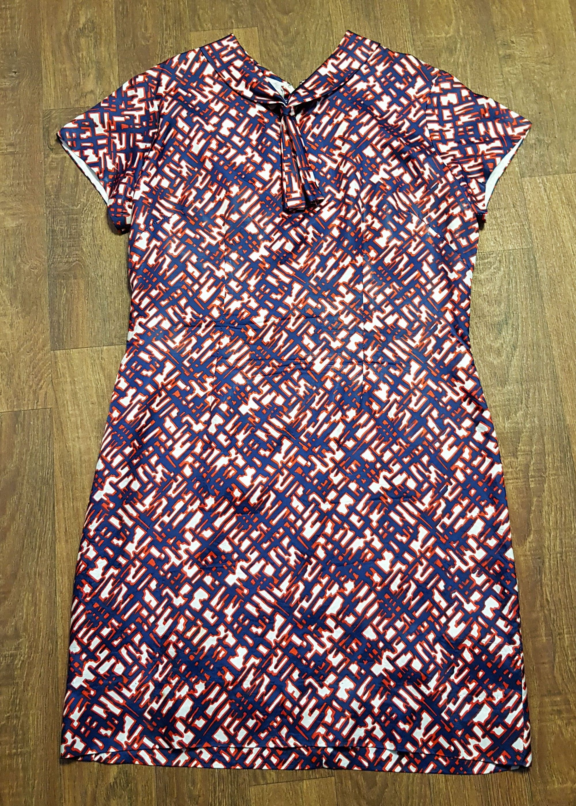 1970s Vintage Navy & Red Patterned Shift Dress UK Size 16