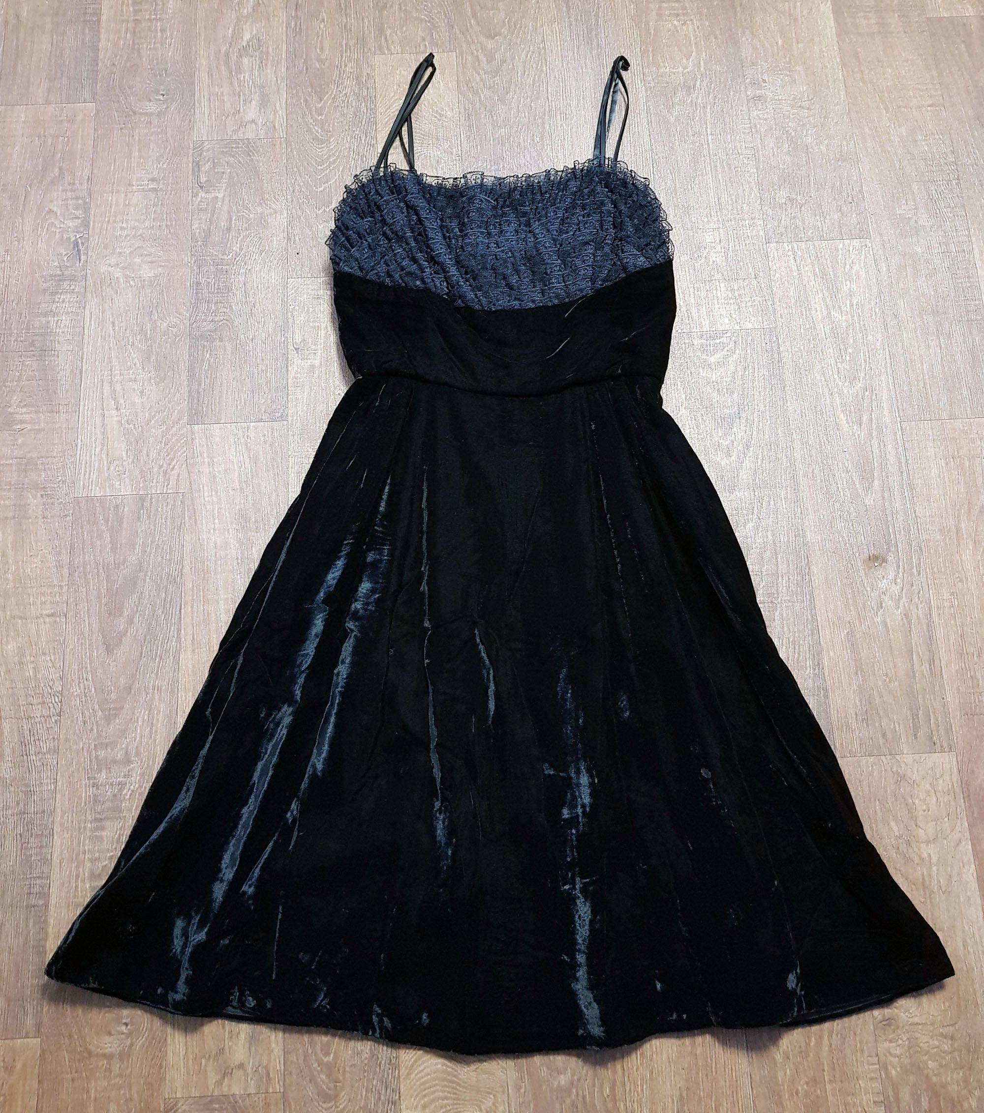 1950s Vintage Black Velvet Swing/Prom Dress UK Size 12