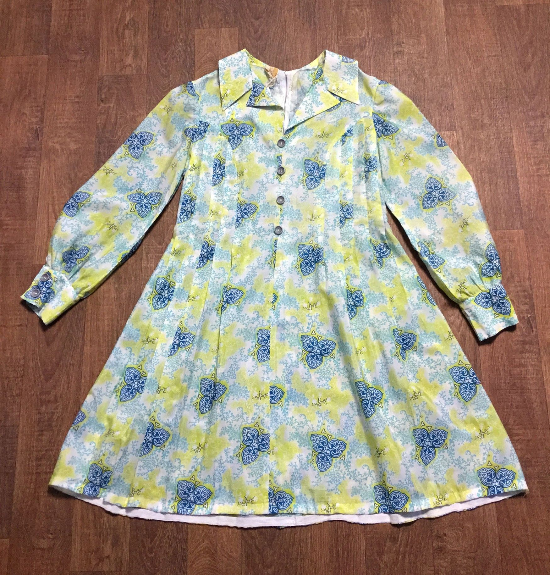 1970s Vintage Lime Green Celtic Print Smock Dress UK Size 12/14
