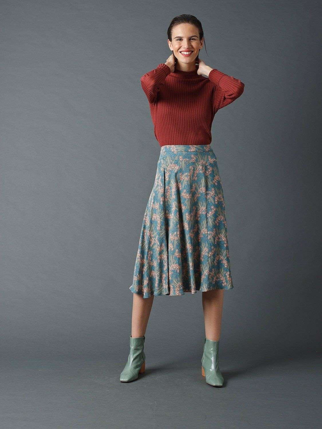 Fluid Midi Skirt With 20s Print L