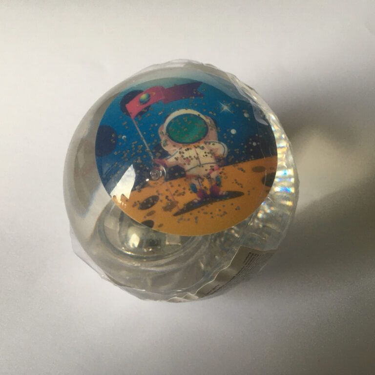 Flashing Space Water Ball by Keycraft