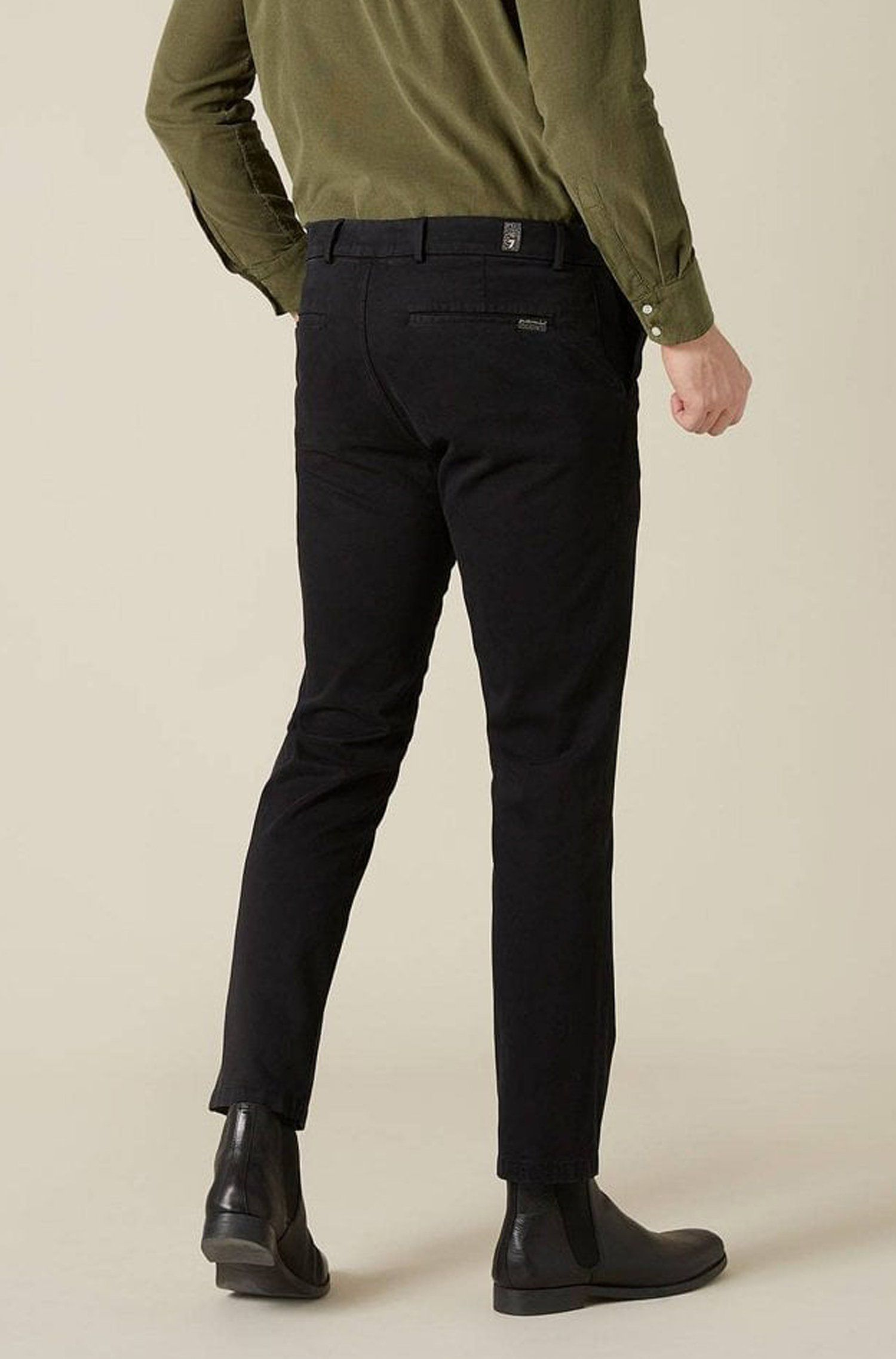 7 For All Mankind - Black Slimmy Chinos in Luxe Perf Sateen Fabric JSU9T490BL 32 R